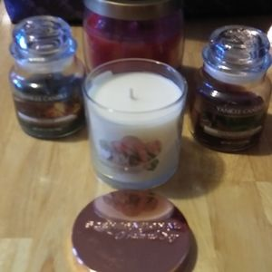 Bundle of candles including Yankee Candle